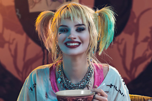 Harley Quinn Having Breakfast Cosplay 5k Wallpaper