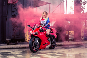 Harley Quinn On Ducati Cosplay 4k