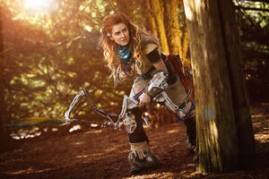 Horizon Zero Dawn Cosplay Wallpaper