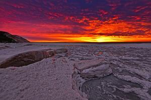 Ice Glow Red Sky 5k