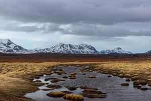 Iceland Brown Gray Mountains 4k