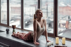 Irina Popova Yoga Wallpaper