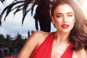 Irina Shayk Red Lips 2017