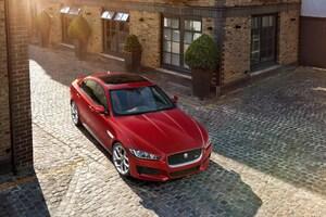 Jaguar XE 2015 Wallpaper