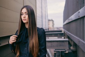 Jasmine Thompson 2021 Wallpaper