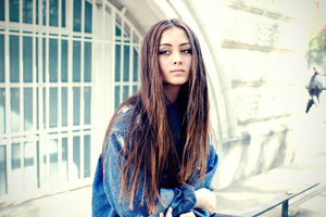 Jasmine Thompson Wallpaper