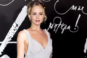 Jennifer Lawrence In White Dress Wallpaper