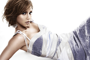 Jessica Alba Movieline 2020 Wallpaper