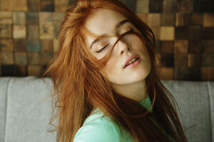 Jia Lissa Hair In Face