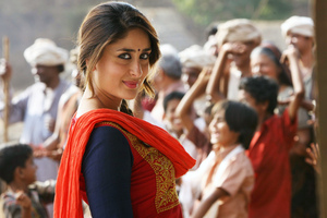 Kareena Kapoor In Desi Suit