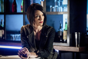 Katie Cassidy In Arrow 2018