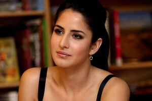 Katrina Kaif 2 Wallpaper