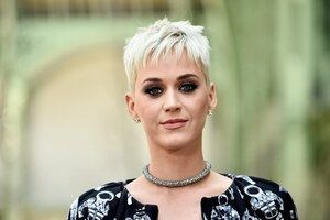 Katy Perry New Hair Style In 2017