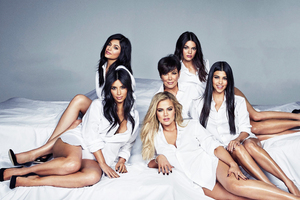 Keeping Up With The Kardashians Season 14 2018 Wallpaper