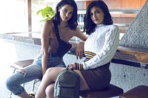 Kendall And Kylie Fall Collection 2018 Wallpaper