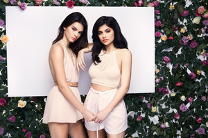 Kendall And Kylie Jenner Pac Sun 2018