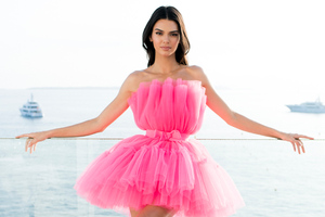 Kendall Jenner AmfAR Cannes Gala Photoshoot 2019 4k