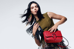 Kendall Jenner Longchamp SS19 Ad Campaign Wallpaper