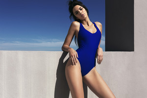 Kendall Jenner SwimSuit Wallpaper