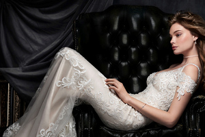 Kenneth Winston Bride Dress 4k