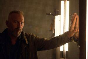 Kevin Costner In Criminal Movie
