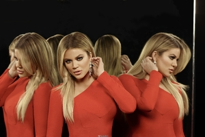 Khloe Kardashian Keeping Up With The Kardashians Season 14 5k Wallpaper