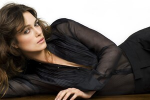 Kiera Knightley 4 Wallpaper