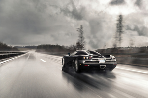 Koenigsegg On Wet Roads 4k Wallpaper