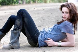 Kristen Stewart Jeans Wallpaper
