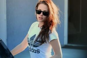 Kristen Stewart Outdoor