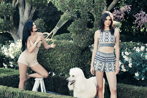 Kylie And Kendall Jenner PacSun Holiday Collection 2018 Latest Wallpaper