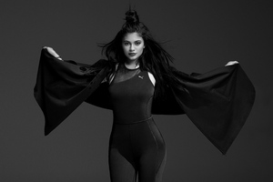 Kylie Jenner Black And White 5k Wallpaper