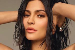 Kylie Jenner Glamour Uk Photoshoot Wallpaper