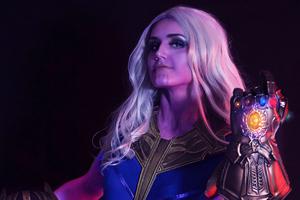 Lady Thanos Wallpaper