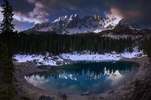 Lago Di Carezza Wallpaper