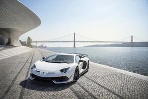 Lamborghini Aventador SVJ White Lisbon 5k