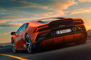 Lamborghini Huracan EVO 10k Rear Wallpaper