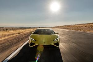 Lamborghini Huracan EVO 2021 8k Wallpaper