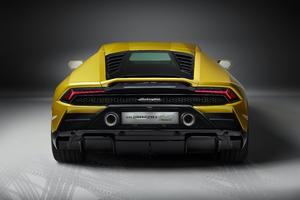 Lamborghini Huracan EVO RWD 8k Wallpaper