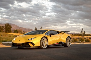 Lamborghini Peformante Huracan Yellow 5k Wallpaper