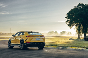 Lamborghini Urus Shiny Black Package 5k Wallpaper