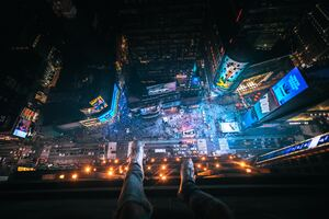Legs Hanging Aerial View New York City 5k Wallpaper