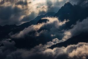 Light Clouds Mountains 4k Wallpaper