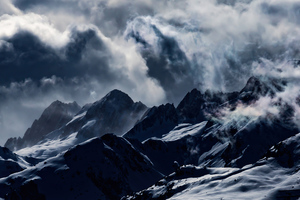 Light Clouds Mountains Smoge 4k Wallpaper