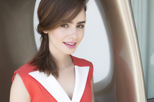 Lily Collins Cute