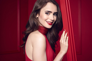 Lily Collins Smiling 2020 Wallpaper