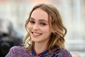 Lily Rose Depp In 2017 4k Wallpaper