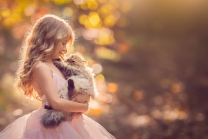 Little Girl With Cat Wallpaper