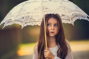 Little Girl With Umbrella Wallpaper