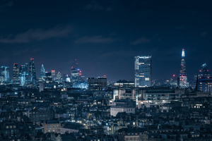 London Chasing Skylines Nightscape 8k Wallpaper